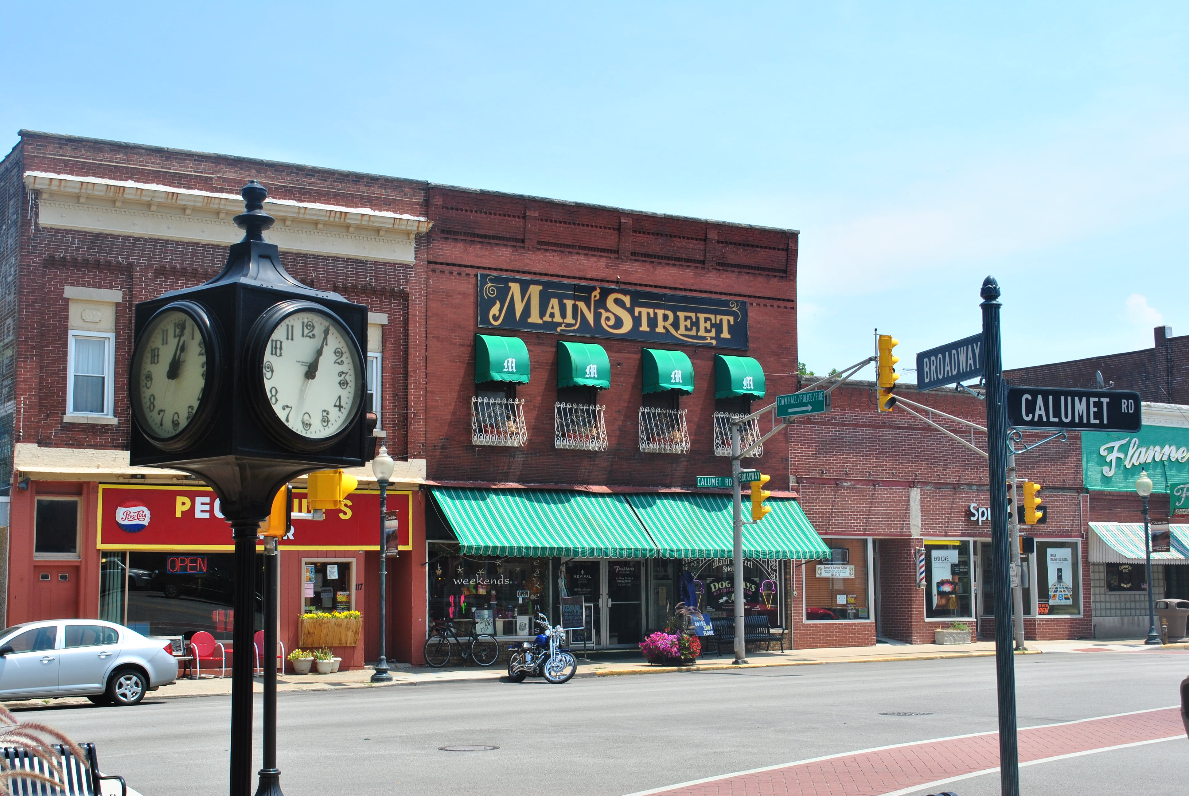 Amazon and Main Street have a frosty relationship